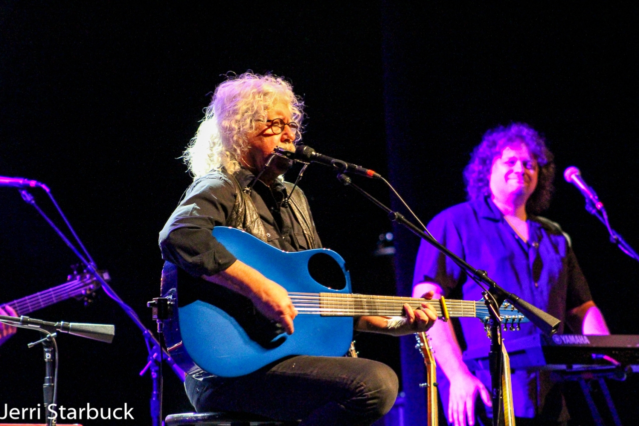 Review: Arlo Guthrie's 50th Anniversary Show InAustin!