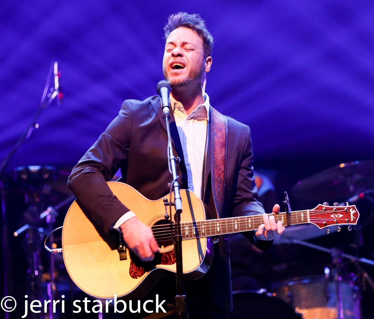 Amos Lee Brought Philly Charm toAustin