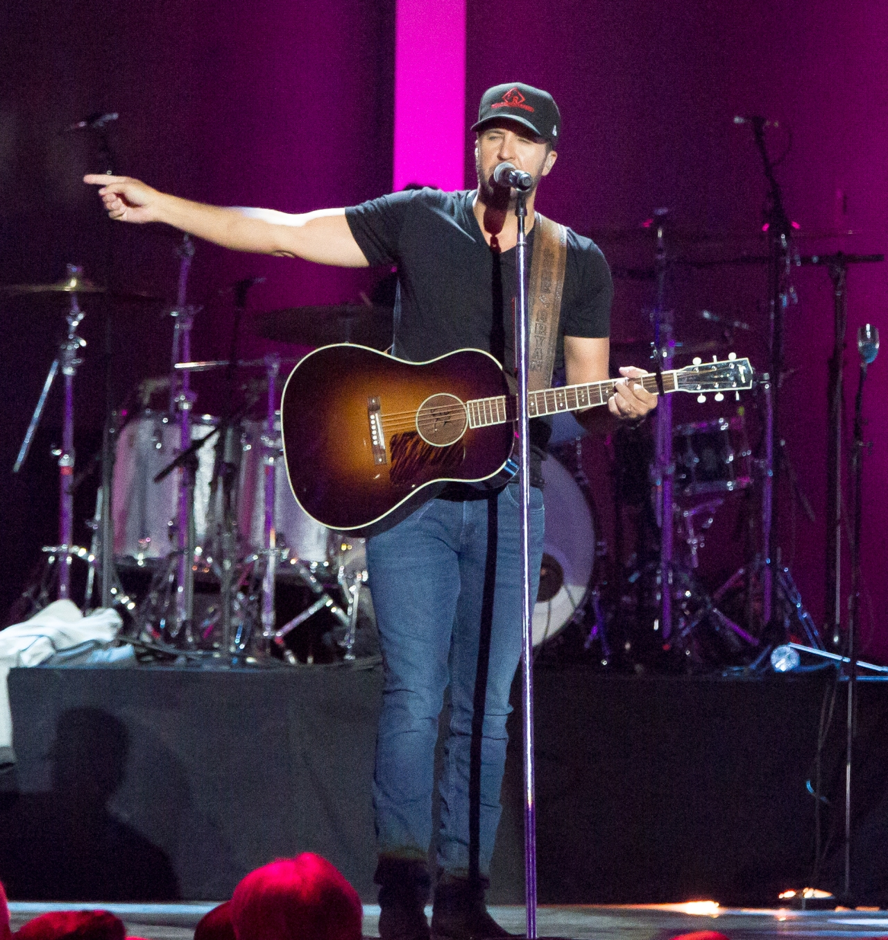 Photos From iHeart Country Music Festival MainStage