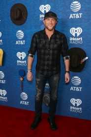 Iheart red carpet-34