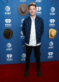 Iheart red carpet-40