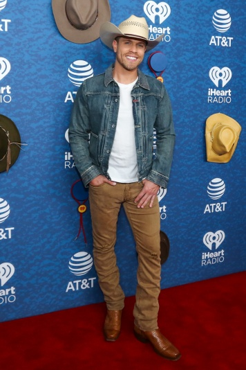 Iheart red carpet-8