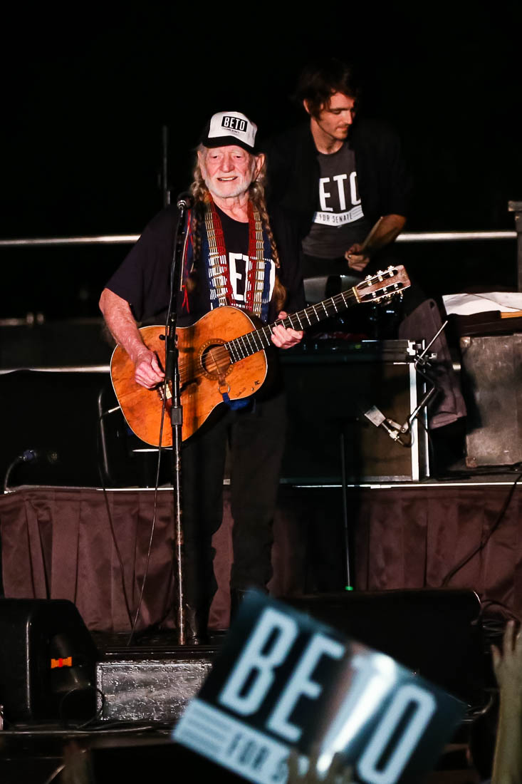 Beto Willie concert10-2018 Willie