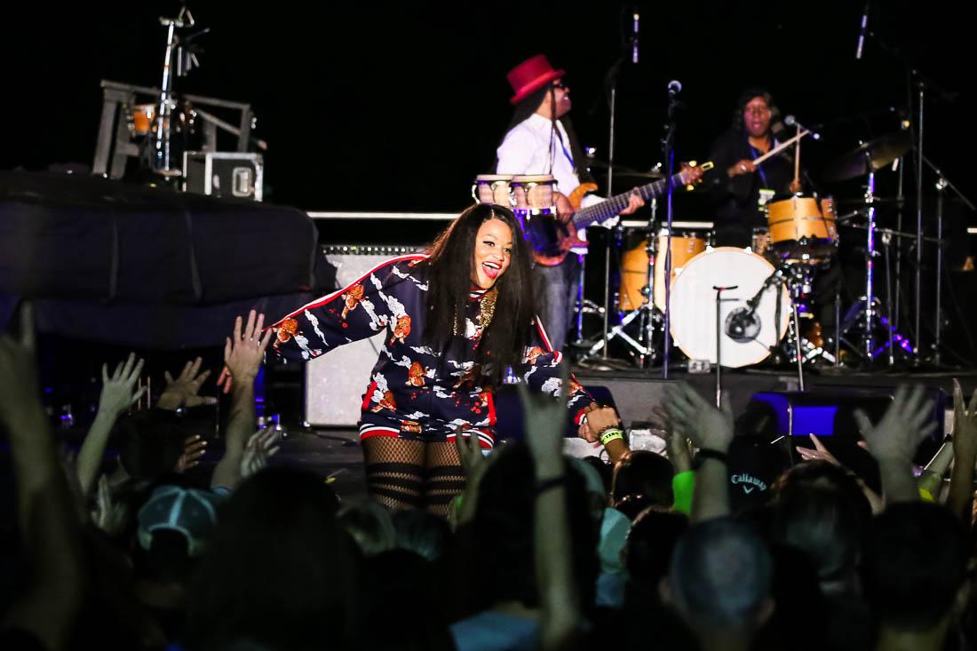 Beto Willie concert2 Tamika Jones