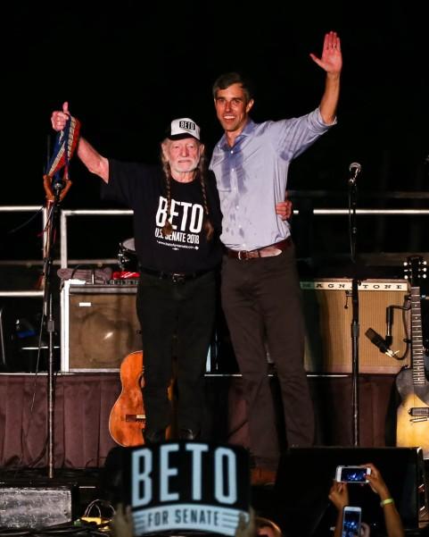 Beto Willie concert9-2018 Willie