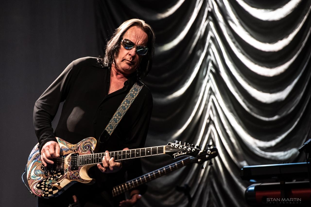 Legendary Todd Rundgren Rocked Austin-Photos