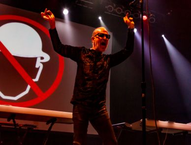 men_without_hats_02