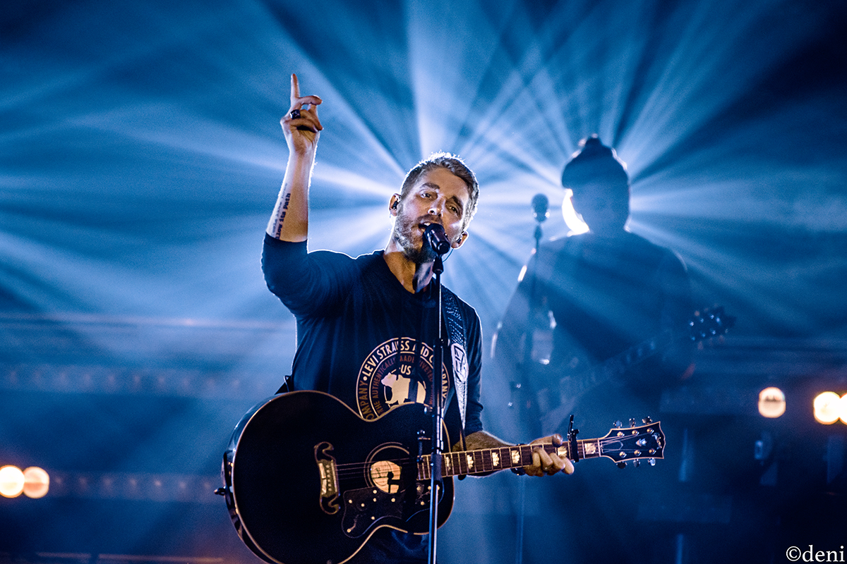 Brett Young Brings Hot Country Music toAustin