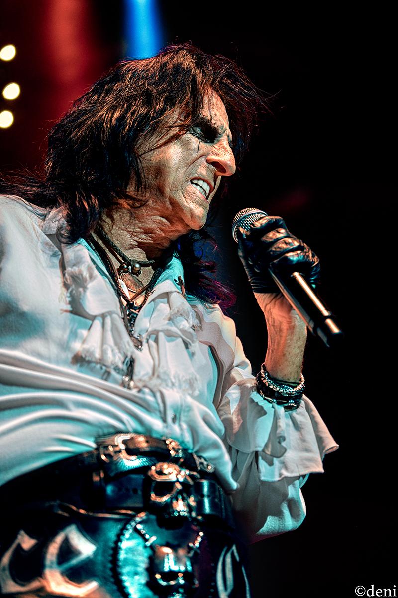 Alice Cooper Keeps Hard Rock Alive In Austin Texas w/Halestorm