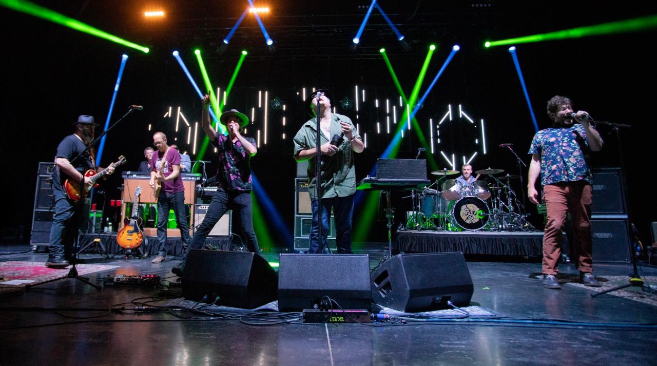 Concert Review: Blues Traveler, Moe., G.Love Jammed At Sticky AustinSet