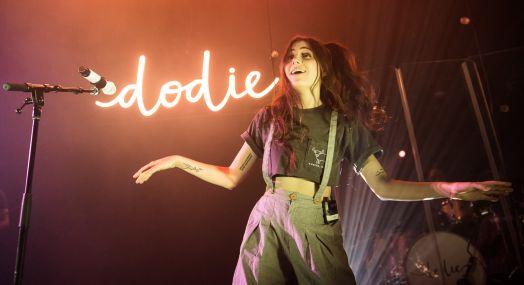 Dodie 021