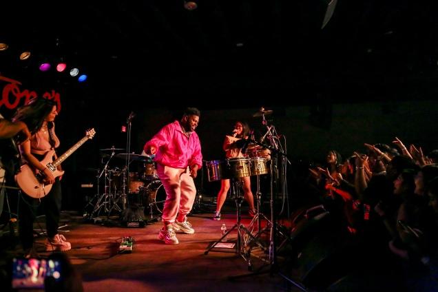 Austin 101 Pink Sweats proc-11