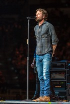 DIERKS-BENTLEY-2020-0218-0030