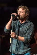 DIERKS-BENTLEY-2020-0218-0039