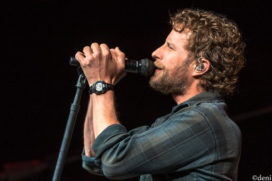 DIERKS-BENTLEY-2020-0218-0104