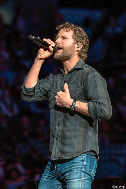 DIERKS-BENTLEY-2020-0218-0296