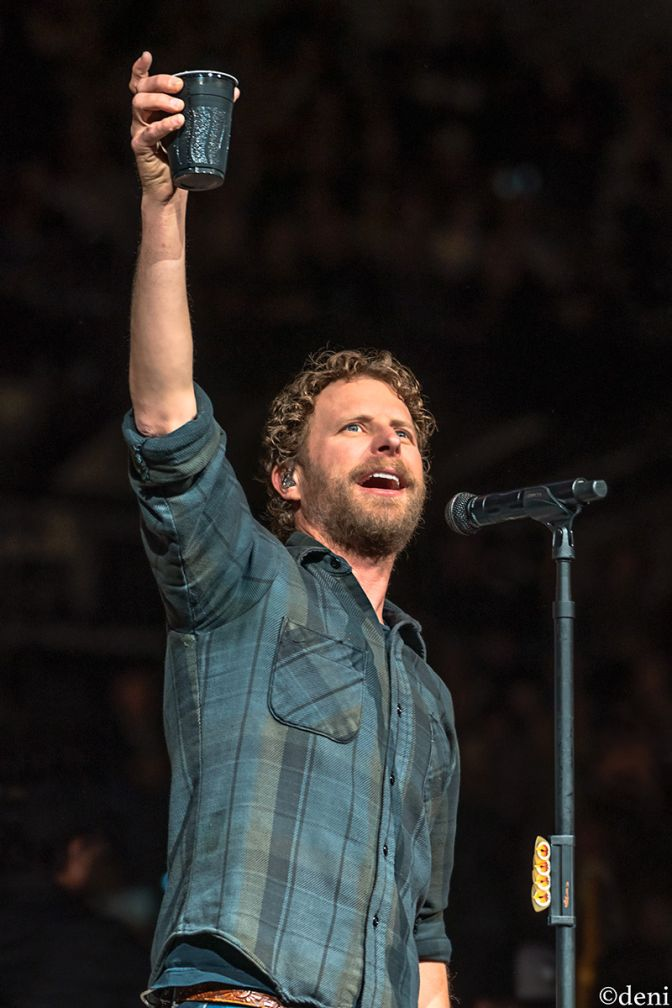DIERKS-BENTLEY-2020-0218-0739