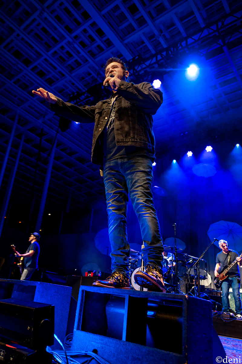Photos: Counting Crows Returned to Austin at New MoodyAmphitheater