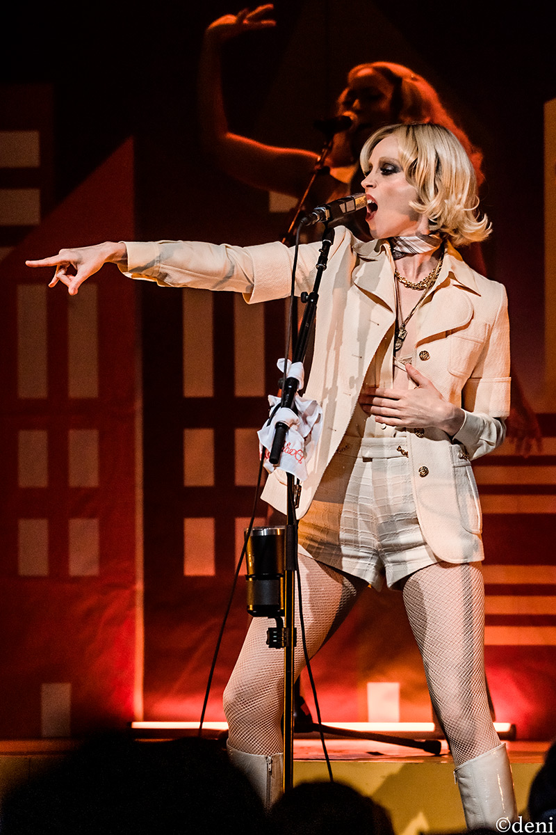 Review: St.Vincent was Stunning at ACL Fest LateShow